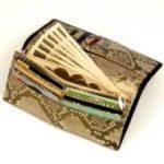 【貴方の財布を確認してみて?お金の貯まらない財布7厳選】