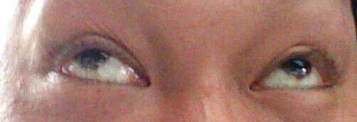 キチガイの目